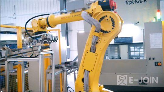 六轴工业机器人自动上下料工作站-易久伺服压机